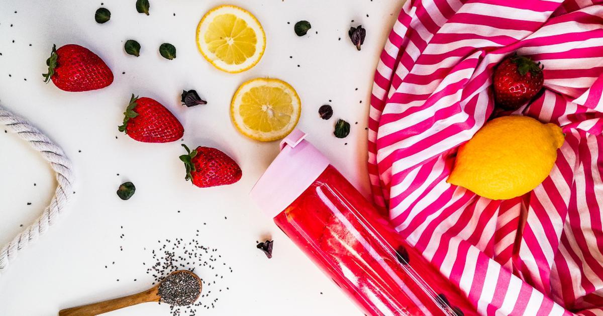Ako ne možeš pojesti sve jagode, napravi sok Limunada od jagoda, šarena, osvježavajuća i zdrava
