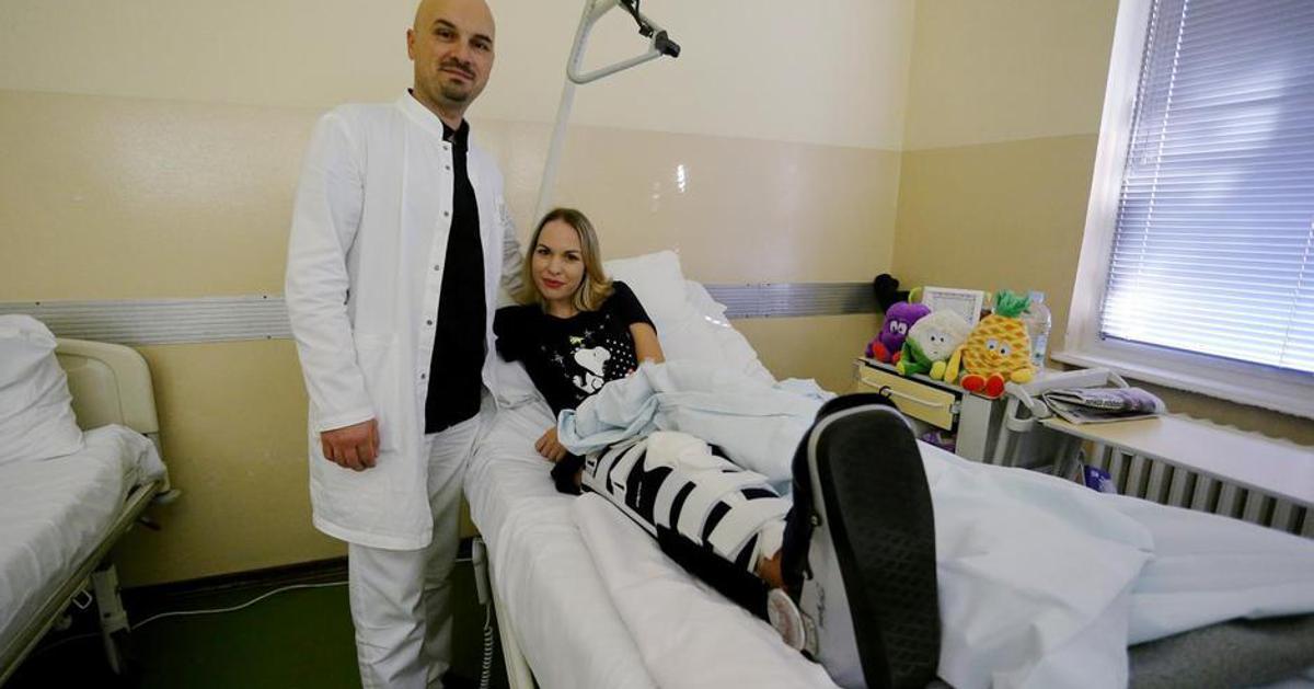Senzacionalan uspjeh liječnika Martini prišili nogu nakon nesreće, opet će moći hodati Martina Dir koja radi kao medicinska sestra u Hrvatskoj vojsci 30. kolovoza doživjela je prometnu nesreću u kojoj je zamalo trajno izgubila nogu što ...