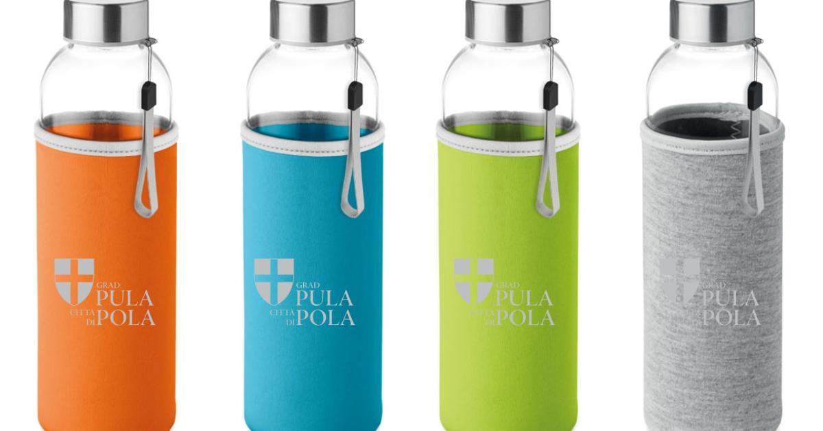 Eko korak Gradska uprava Pule iz uporabe je izbacila plastične boce Nakon što su isto odlučile i gradske uprave Rovinja, Medulina i Vrgorca, grad Pula pridružio im se te su plastične boce iz gradske uprave ...