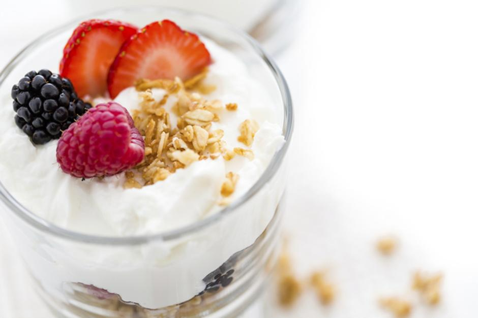 Jogurt-Bobičasto_Voće | Author: Thinkstock