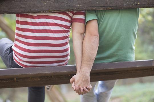 Gay seks s ravnim dečkom