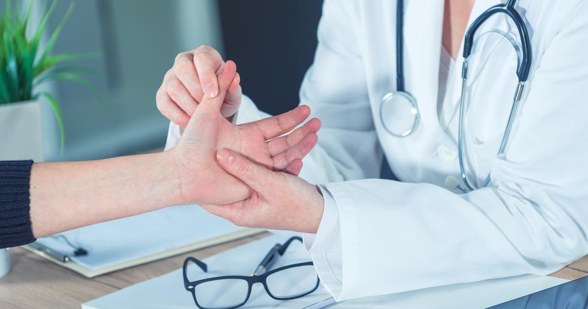 Imaš često ukočene ruke? 5 stvari koje tvoje ruke mogu odmah otkriti o tvom zdravstvenom stanju