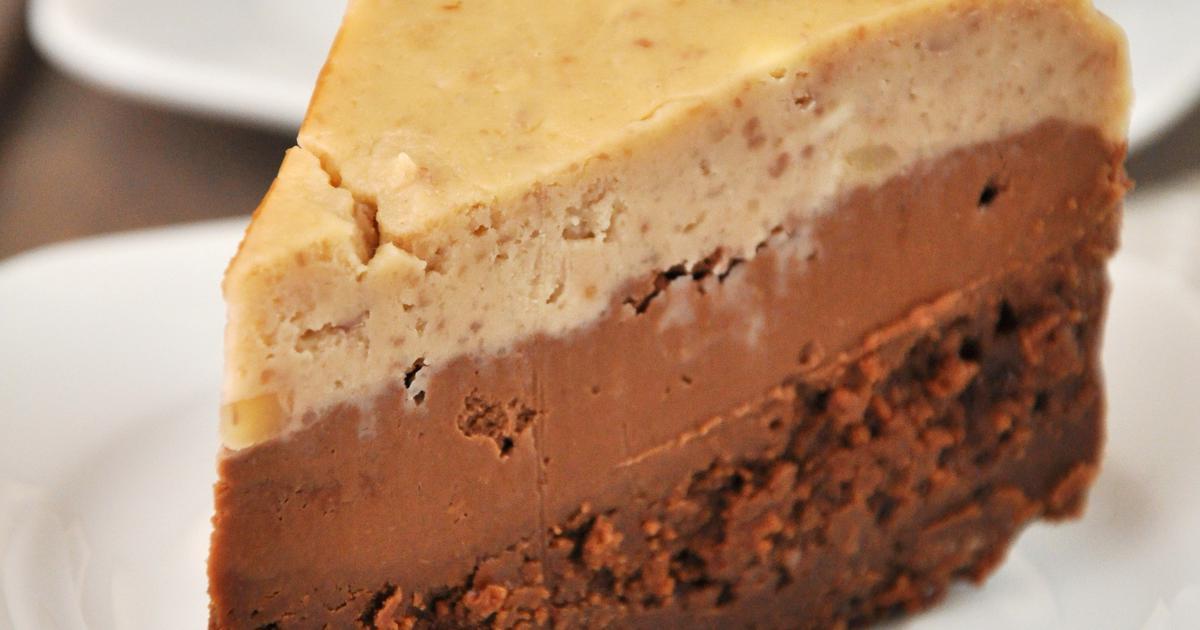 Okusi jeseni Cheesecake s kesten pireom i čokoladom, neodoljiva kombinacija U ovu tortu ide samo jedna žlica brašna, a ako obični šećer zamijeniš nekom zdravijom i manje kaloričnom verzijom, primjerice ksilitolom dobit ćeš jedan ...